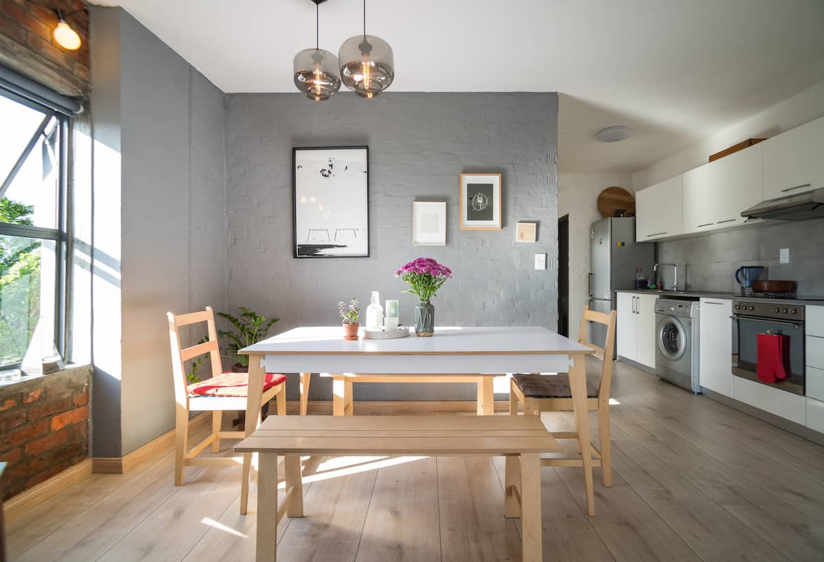 Bright Apartment near Old Biscuit Mill Market