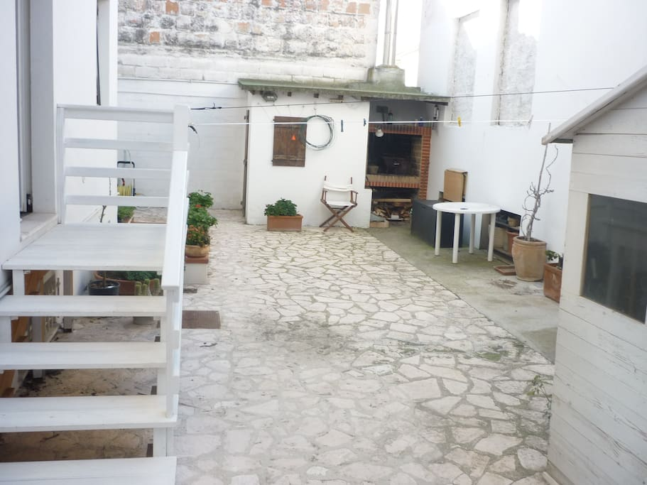 Cortile interno con barbeque