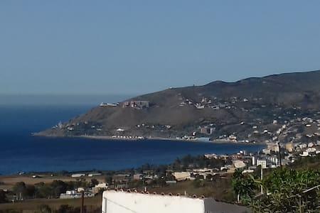 Maison face à la mer, prés d'Azeffoun