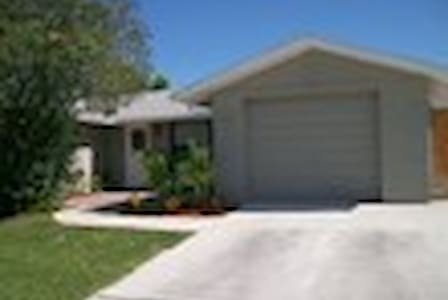 Room For Rent - Port Richey