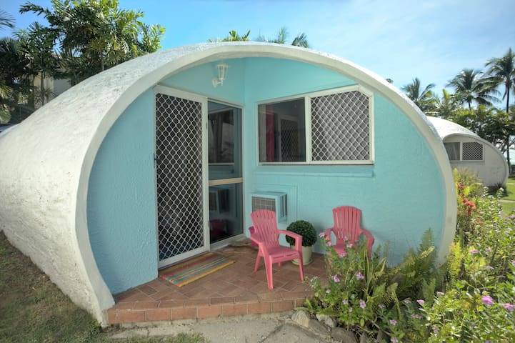 Igloo by the Sea #5-1 Bedroom -  Trinity Beach - Διαμέρισμα