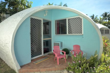 Igloo by the Sea #5-1 Bedroom -  Trinity Beach - Pis