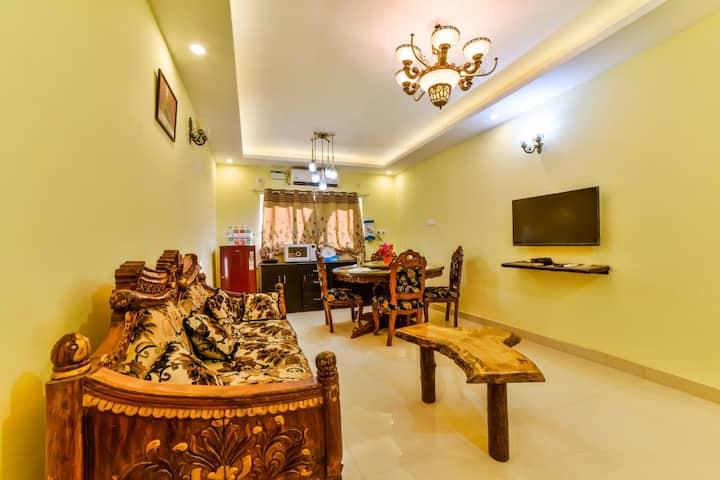 Jyot's Homestay & Villas 2BHK APT Antique suite