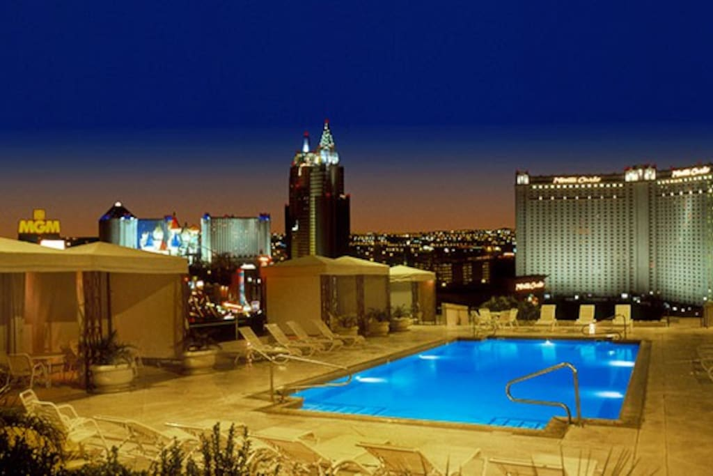 1 Bedroom On The Strip Apartments For Rent In Las Vegas Nevada United States