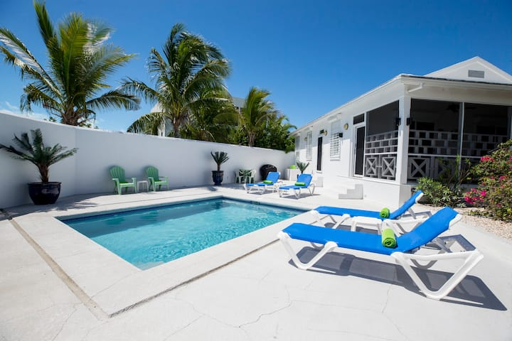 Gorgeous 3-bedroom Villa atPorts of Call Resort