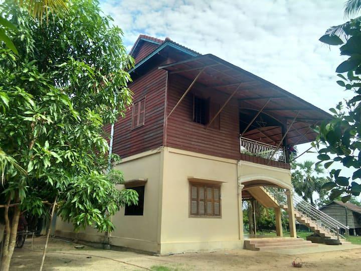 Vathana House Angkor Wat location-Airport Pick up