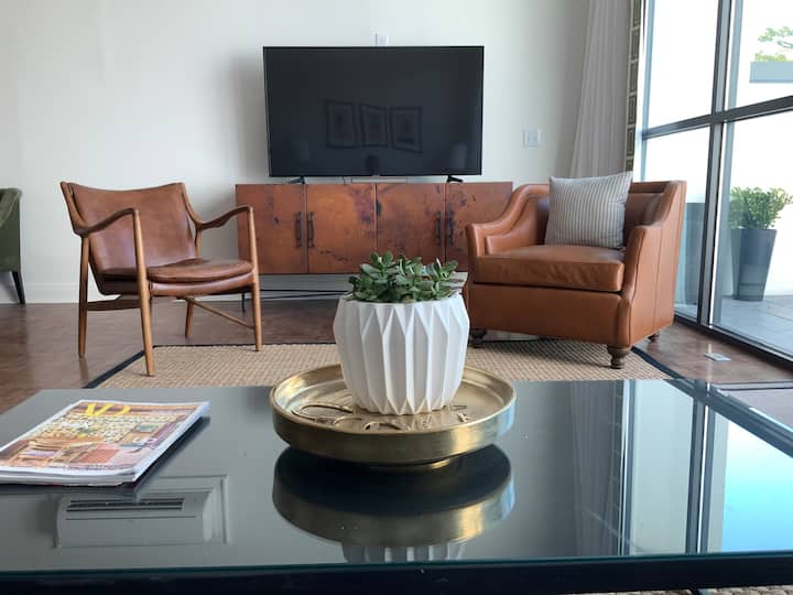 THE PRES-Penthouse Suite @ The 713 - Downtown!