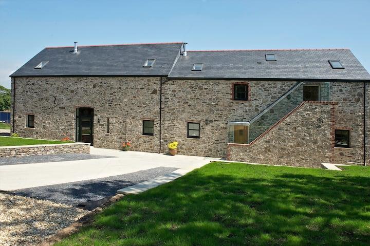 Kidwelly Farm Cottage - Y Felin