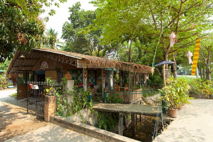 Cozy Hut In Garden Area.A-Hide-Away - Mueang Lamphun