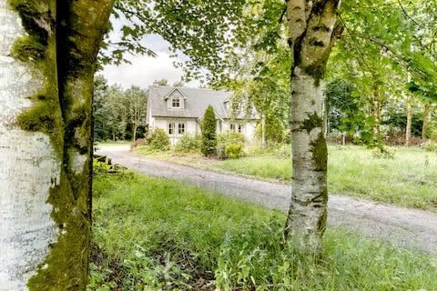 Idyllic Woodland Lodge  1 hour from Edinburgh