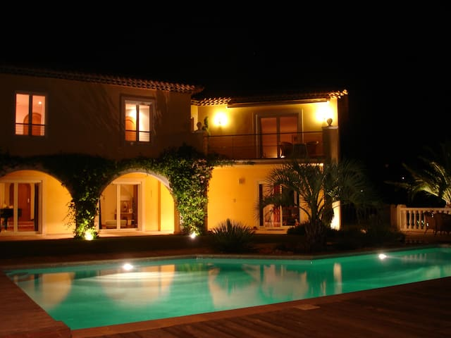 Golf and Beach Hols near St Tropez - Grimaud - Bed & Breakfast