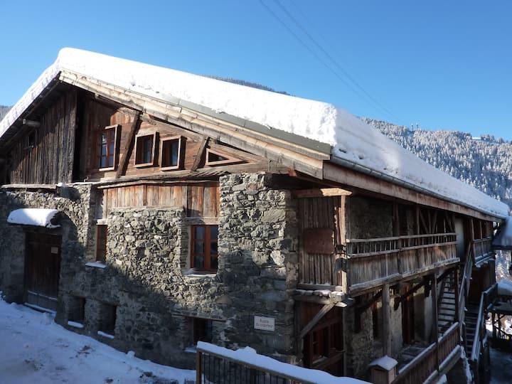 Chalet ferme la Tannerie 200m from ski lift  sauna