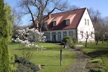 Historisches Farmhaus auf dem Lande