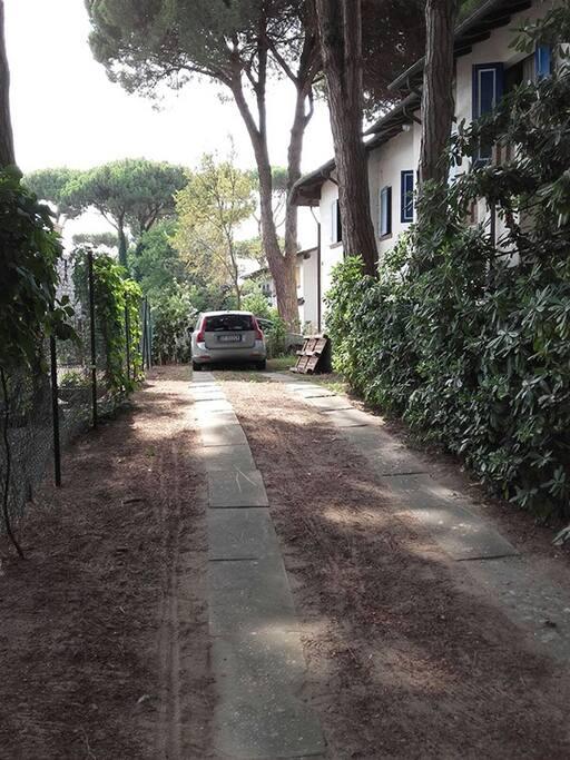 parcheggio privato per 3 auto in fila