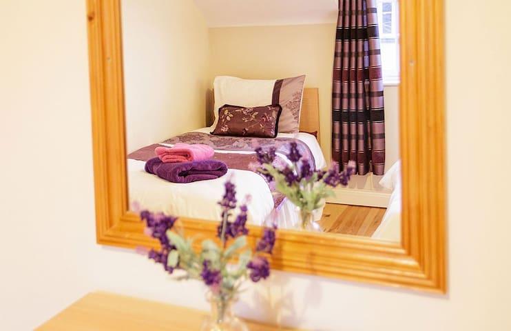 No 26 Killarney Holiday Village 3 Bedroom Home!