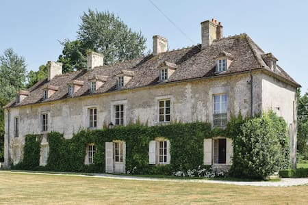 Holiday cottage with 5 bedrooms on 250m² in Vicques