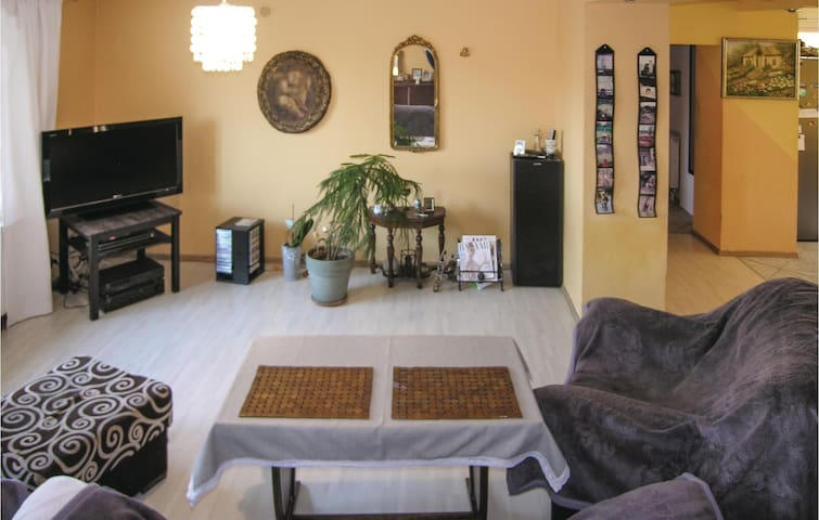 Holiday cottage with 4 bedrooms on 170m² in Puszczykowo
