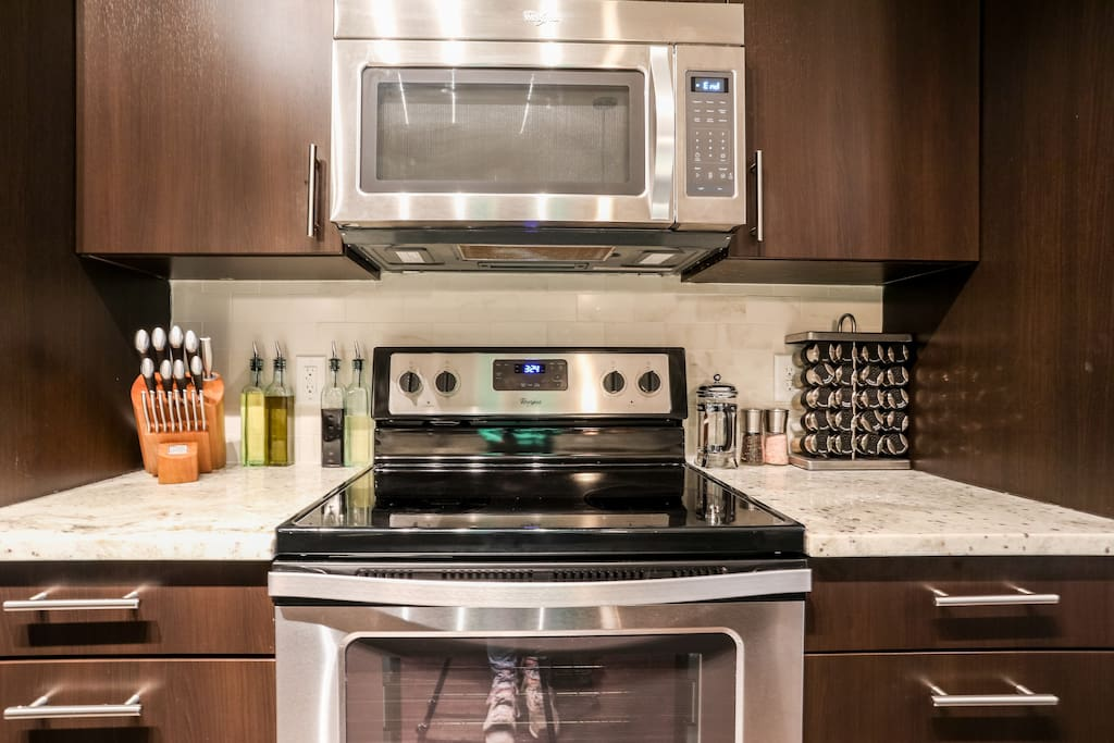 Guests have full use of our kitchen, kitchen appliances, and cookware.