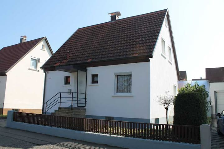 Ferienhaus im Haugenrain Metzingen - Metzingen - House