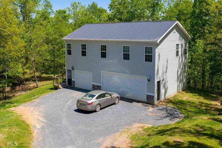Country apartment located  between ATL & CHATT