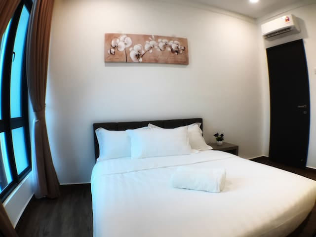 【SPICE】2BR •Hospital •Washer •Kitchen •8min to ✈