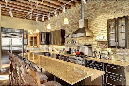 Private Capitol-View Retreat in Vibrant Lowertown