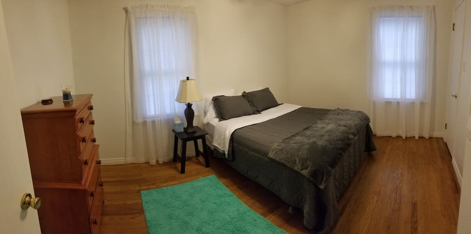 Simple Bedroom and amenities, close to LECOM