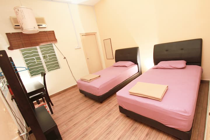 Ming Yuan Home Stay - Orchid Room (兰花坊)