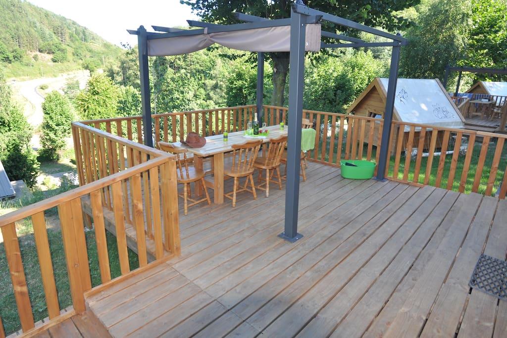 terrasse chalet camping le mas des sedaries lozere , Cévennes,