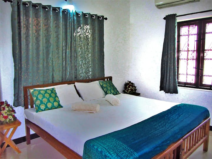 Deluxe A/c Double Room of SEAVIEW APARTMENTS