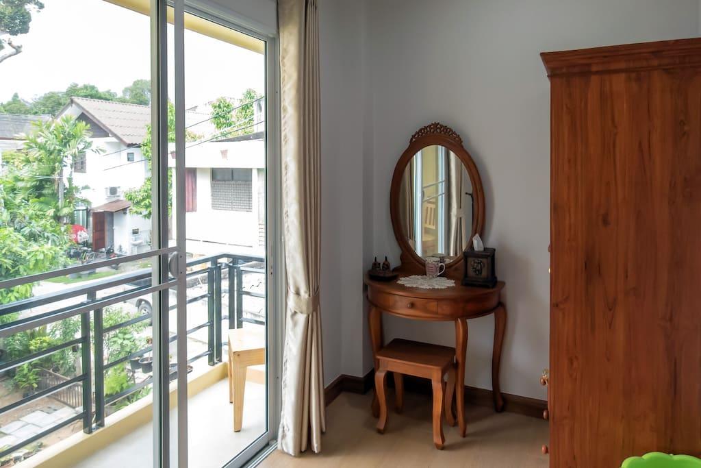 Adjoining room with balcony