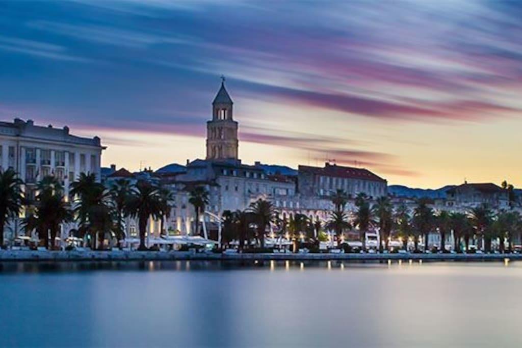 City of Split, Riva