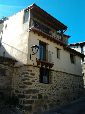 rústica,  vistas,  pueblo medieval - Miranda del Castañar, Castilla y León, ES