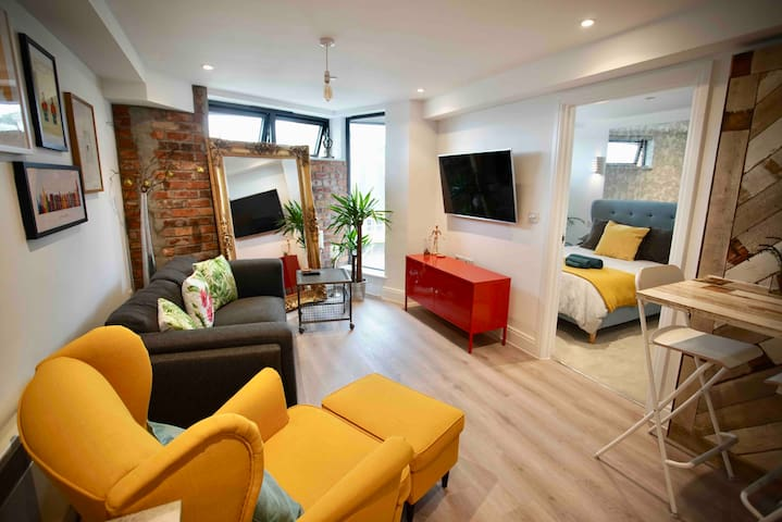 New stylish apartment, central Bournemouth