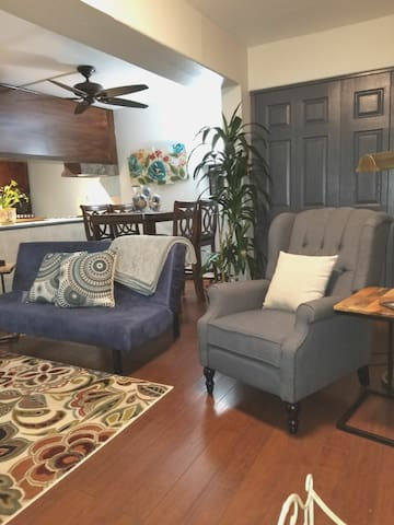 Monterey Park,  CA Charming & Cozy Apartment!