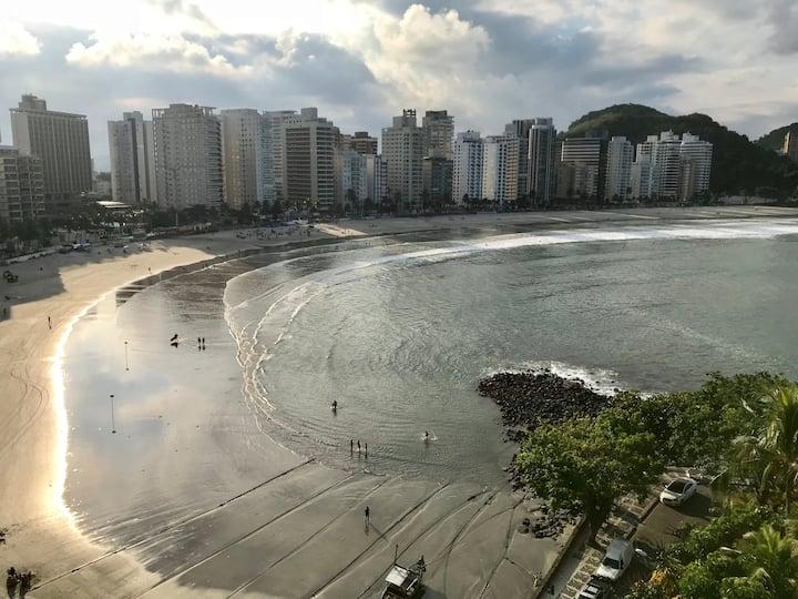Guarujá - Astúrias, frente p/ o mar pé na areia!!
