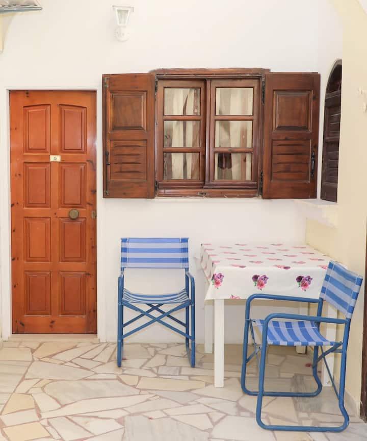 Santorini Seaside Home - Balcony Family Full Double