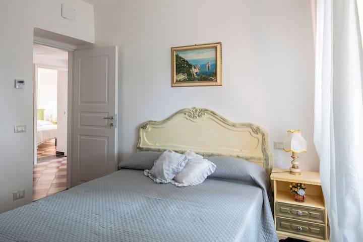 La Brigna B&B | Bosco sul mare | stanza gialla