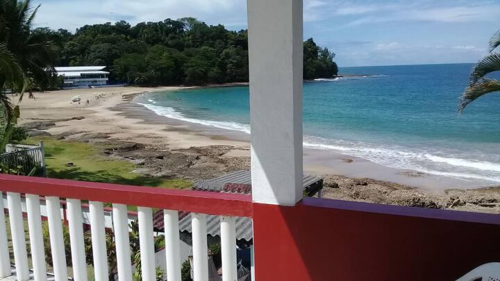 Aparts. Los Cocos 3, Playa Bonita, frente al mar