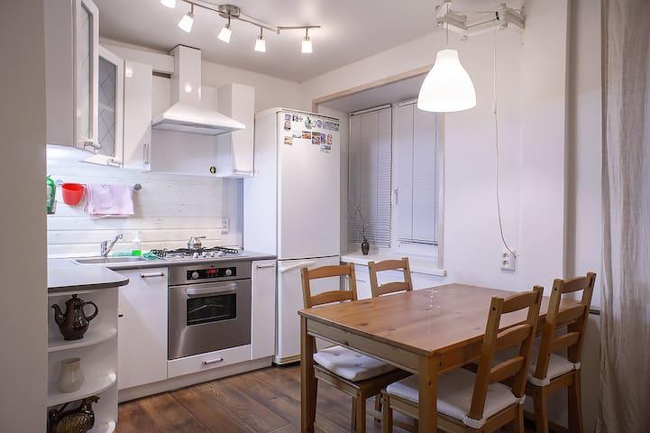Сдаётся 1-комнатная квартира в центре города.