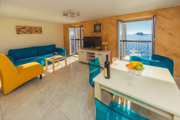 Apartment Galija Blue LUX (10 meters from beach)