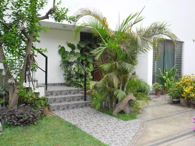 Bello y claro Apartamento 131-m2,Rinconada d Lago - Distrito de Lima - Appartement