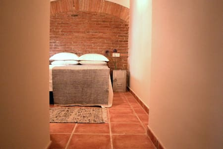 CHARMING DUPLEX IN GOTHIC QUARTER