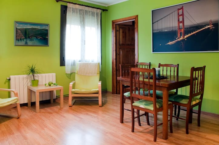 Cozy rooms for 2 next to METRO - Barcelona - Apartament