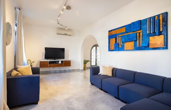 Villa Luchetti's in Condado by beach /1000mbs wifi