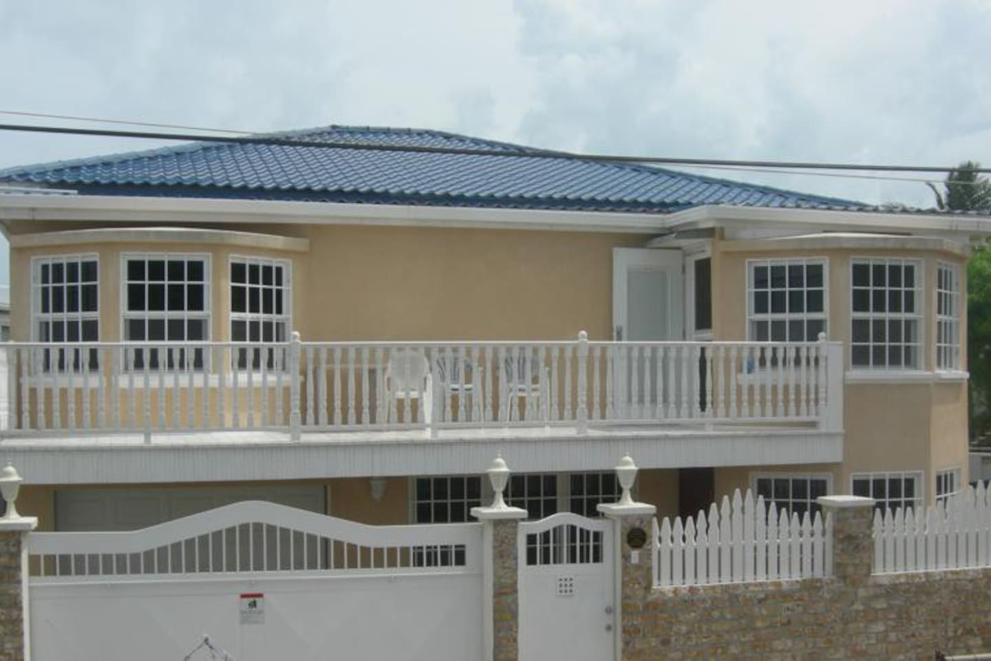 Front view of home, Guest has  entire lower flat.
