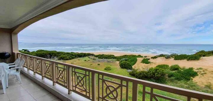 Jeffreys bay - Large Luxury Beach Apartment!