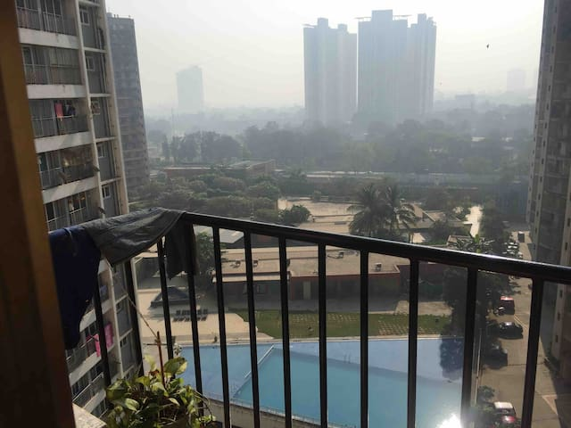 Thane west, Kolshet  2km Viviana mall, 1 MBedroom