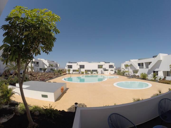 Casillas de Costa, Luxury Apartment With Pool View