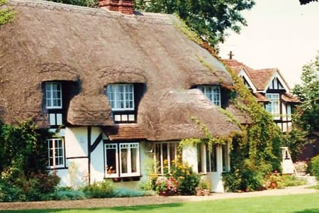 Thatched rural bed & breakfast - West Tytherley